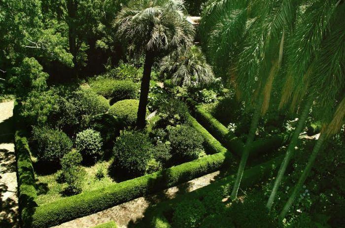 Agenda cultural visitas guiadas museo larreta for Jardin spanish